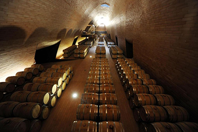 transfer-and-tours-cortona-Chianti-Wine-Tour-cantina