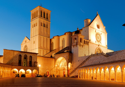 transfer-and-tours-cortona-Assisi-The-lower-church-of-the-Franciscan-Monastery