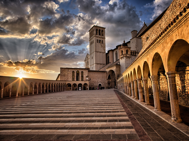 Transfer-And-Tours-Cortona-Tourist-Guide-Assisi-Basilica-640