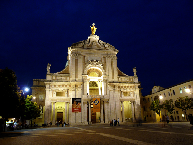 Transfer-And-Tours-Cortona-Tourist-Guide-Assisi-Basilica-di-Santa-Maria-degli-Angeli-640