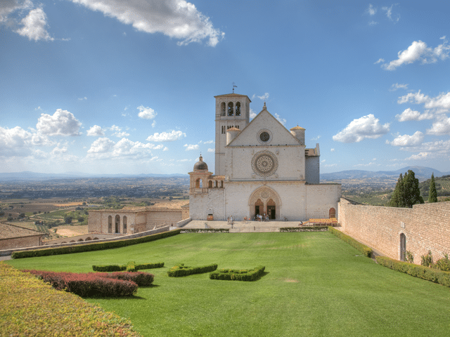 Transfer-And-Tours-Cortona-Tourist-Guide-Assisi-Basilica-di-san-francesco-640