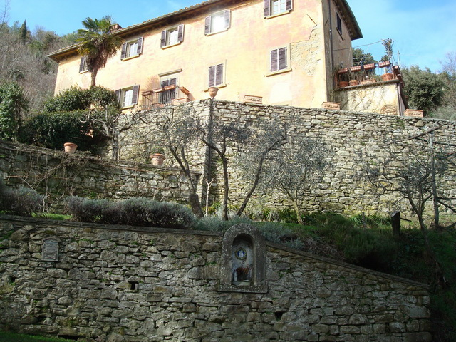 Transfer-And-Tours-Cortona-Tourist-Guide-Cortona-House