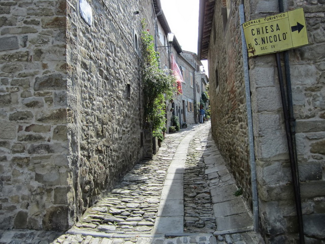 Transfer-And-Tours-Cortona-Tourist-Guide-Cortona-Street-View
