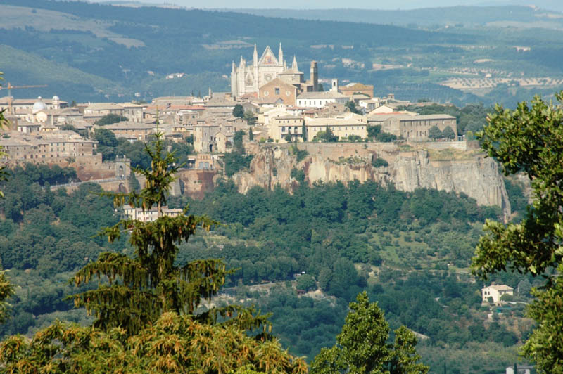 Orvieto-Hill-Town