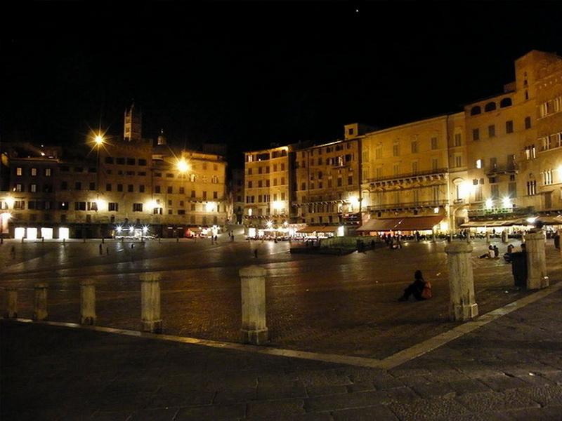 Siena-Night